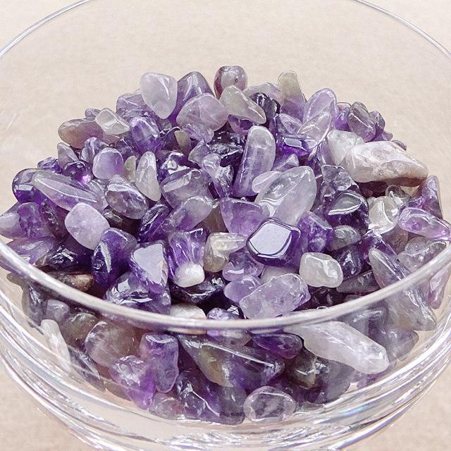 アメジストさざれ石(100g)|愛と慈しみの心・調和と調整のアメジスト