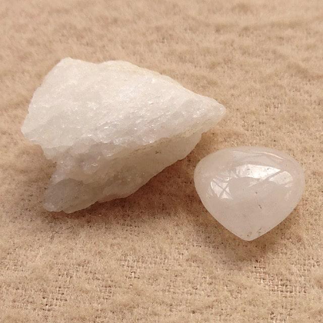 アゼツライトの原石