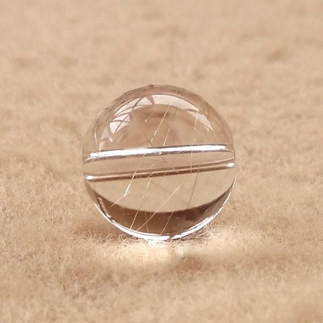 一般的な品質(10mm)のシルバールチルクォーツ